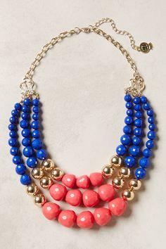 Collar en azul y coral con dorado