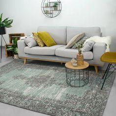 Vintage vloerkleed Dreams in de kleur groen grijs met een mooi medaillon. De vloerkleden zijn van 100% katoen en handgeweven. Hoge kwaliteit en snelle levering!