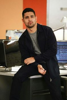 Wilmer Valderrama plays Nick Torres on NCIS Beautiful Men Faces, Most Beautiful Man, Gorgeous Men, Ncis Stars, Ncis Characters, Ncis Cast, Wilmer Valderrama, Mark Harmon, Handsome Black Men