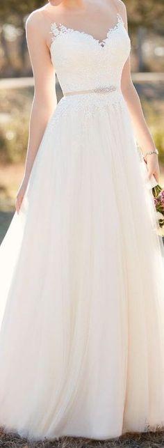 Habillez cette mariée de la tête aux pieds : la robe 3