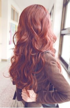 Amazing rust red hair color with wavy hairstyle~ LOVE it so much~
