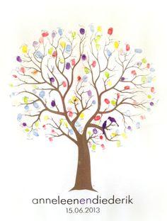 Een mooie gekleurde boom als gastenboek! weddingtree fingerprint www.letterlijn.nl