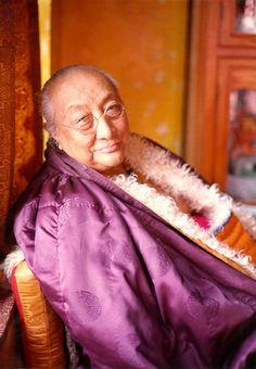 """""""La ira, como cualquier otro pensamiento o sentimiento, no tiene existencia verdadera, ni siquiera una ubicación definitiva en su cuerpo, el habla o la mente. Es como bramido del viento en el espacio vacío"""" – Dilgo Khyentse Rinpoche"""