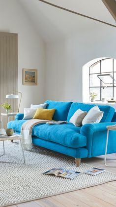 Wanting to update your living room for the new year? From fabulous fluting to bold, bright and beautiful, these are the top sofa trends for Living Room Update, Penthouse Living, Sofa Colors, Comfy Sofa, Top Sofas, Sofa, Lounge, Sofa Set, Big Sofas