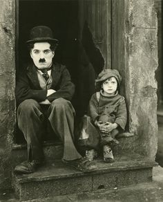 Read my brief introduction to early silent films HERE Charlie Chaplin was not just a silent movie actor, he was an icon of early cinema. Chaplin was a writer, Old Movies, Great Movies, Classic Hollywood, Old Hollywood, The Kid 1921, Margaret Bourke White, Charles Spencer Chaplin, Vintage Films, Vintage Photos