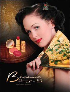 Comment être un modèle Secrétaire - Style des années 1950 | Glamourdaze