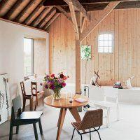 Une ancienne grange transformée en habitation moderne