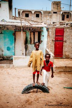 El neumático de la diversión. Saint Louis. Senegal   © Rachel Carbonell.