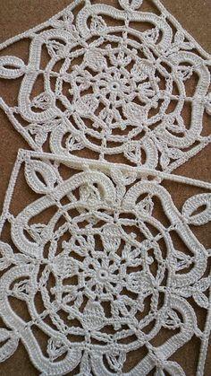 "Photo from album ""Турецкие мотивы"" on Yandex.Disk, # crochet motif square turkish tiles Photo from album ""Турецкие мотивы"" on Yandex. Vintage Crochet Patterns, Crochet Square Patterns, Crochet Motifs, Crochet Blocks, Crochet Stitches Patterns, Crochet Squares, Thread Crochet, Crochet Granny, Irish Crochet"