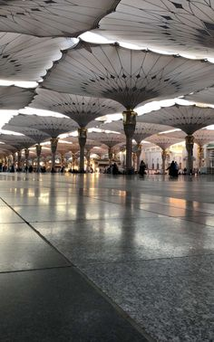 Medina Masjid Haram, Al Masjid An Nabawi, Mecca Madinah, Mecca Masjid, Mecca Wallpaper, Islamic Wallpaper, Islamic World, Islamic Art, Beautiful Mosques