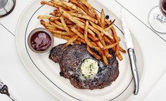 Do steak right in Austin, Texas. Chill Restaurant, Texas Restaurant, Wine Recipes, Food Network Recipes, Texas Steak, Cowboy Steak, Best Steakhouse, Lamb Ribs, Food Concept