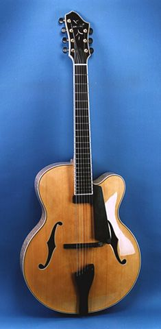 Guitar by Robert Benedetto. #archtop #archtopguitar