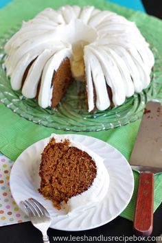 Easy Carrot Cake Recipe With Cream Cheese Frosting (no pineapple! Cream Cheese Recipes, Cake With Cream Cheese, Cream Cheese Frosting, Just Desserts, Delicious Desserts, Dessert Recipes, Yummy Food, Easter Recipes, Easter Ideas