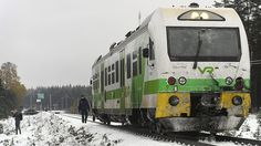 4 dead as train collides with military vehicle in Finland (PHOTOS) https://tmbw.news/4-dead-as-train-collides-with-military-vehicle-in-finland-photos  Four people have been killed and 11 hospitalized after a train crashed into a military vehicle in the southern part of Finland.Three of those killed were in the military vehicle, Hufvudstadsblade reports . The FNB news agency reports that the fourth victim was on the train, which is understood to have had 10 passengers on board.Rescue services…