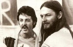 David gilmoure and paul mccartney old rare picture. Its on of those things that makes you wonder, what if...