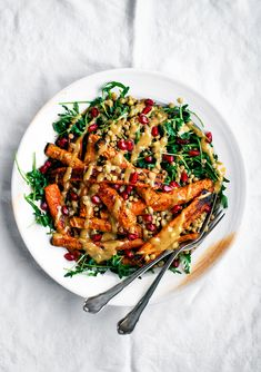 Roasted Carrots with Tahini Lentils. Spicy roasted carrots with tahini lentil salad. A great quick weeknight meal that doesn't need any sides or extras. Carrot Recipes, Veggie Recipes, Whole Food Recipes, Salad Recipes, Vegetarian Recipes, Dinner Recipes, Cooking Recipes, Healthy Recipes, Lentil Recipes