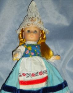 """70's  8""""  Vogue Ginny doll Dolls of Faraway land series This is a Dutch girl"""