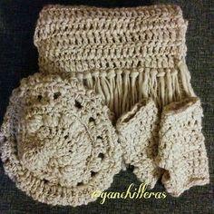 La familia al completo ❤❤❤ #gorro #mitones y #bufanda de #crochet  #winteriscoming pero me pilla preparada! 🍁🍃🌨 #ganchillo #ganchilleras #tejeresmisuperpoder #tejereselnuevoyoga #invierno2016 #cosasbonitas