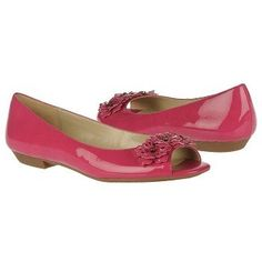 ☆ pink peep toe patent leather flats!  SQUEEEE!!!!