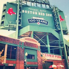 Boston Red Sox .... Fenway Park .... My favorite baseball team .... The best Stadium in Baseball ! redsox Boston baseball USA America Americana