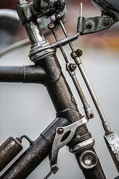 stirrup brakes - beautiful vintage detail.