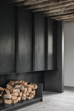 fireplace - brick barns in henley oxfordshire by mclaren excell architects Modern Fireplace, Fireplace Design, Fireplace Brick, Interior Architecture, Interior And Exterior, Hearth, Interior Inspiration, Open Kitchen, Interior Decorating