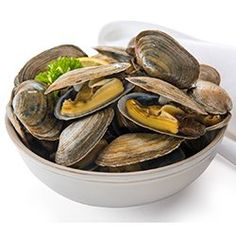 Buy steamer clams from the best online company. We take the freshest local Maine steamer clams and ship them overnight to your door. Frozen Lobster, Fresh Lobster, Lobster Dinner, Seafood Dinner, How To Cook Steamers, Seafood Recipes, Gourmet Recipes, Live Maine Lobster