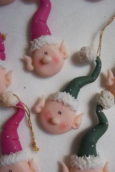 Elf Tutorial - Even though this is a tutorial using cold po Christmas Craft Fair, Polymer Clay Christmas, Christmas Cards To Make, Christmas Toys, Holiday Crafts, Christmas Ornaments, Polymer Clay Ornaments, Polymer Clay Sculptures, Cute Polymer Clay