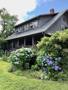 Pocket: Friday Favorites – Nantucket On the Go Cedar Shake Siding, Blog Live, Nantucket Island, Enchanted Home, Lifestyle Blog, Coastal, Friday, Cottage, Exterior