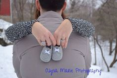 Winter Maternity Photography | Winter maternity photo shoot