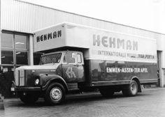 Hekman - Ter Apel later in Emmen. Ook de Firma Hartman uit Hoogeveen had zo'n verhuiswagen.