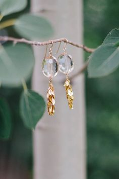 3 Appreciate Cool Tricks: Jewelry Poster Keep Calm minimalist jewelry photography. Photo Jewelry, Fine Jewelry, Fashion Jewelry, Beaded Jewelry, Earrings Photo, Rhinestone Jewelry, Dainty Jewelry, Handmade Jewelry, Tiffany Jewelry
