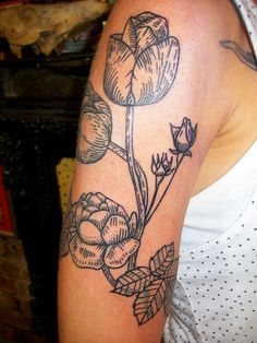 Love this style of drawing for a flower tattoo. Hatched shading and single colour. Feminine but not too girly.