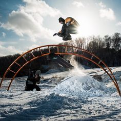 Bode Merrill (@brodiemitchell) with a solid hippy-hop in Michigan while filming with @absinthefilms. Photo: @coletaco