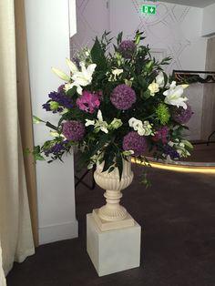 Glass Vase, Wedding Flowers, Plants, Home Decor, Homemade Home Decor, Plant, Interior Design, Home Interiors, Decoration Home