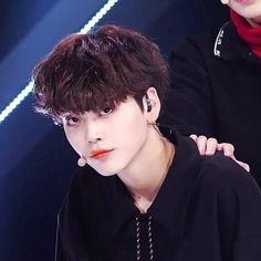 All About Kpop, Boy Idols, Korean Boy Bands, Foto Jungkook, Produce 101, Wattpad, Kpop Boy, Handsome Boys, Little Boys