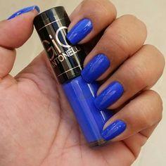 Aquela fóta antiga daquele azul lindo    #unhasdaanafran #euquefiz #coisasdeanafran #nails #esmaltando