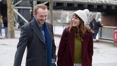 17 Rom-Coms On Netflix Everyone Needs To Watch Zoe Kazan, Jessica Szohr, Miles Teller, Simon Pegg, Anna Faris, Daniel Radcliffe, Keanu Reeves, Comedy Movies List, Netflix Movies To Watch