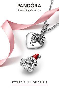 Disney Pandora Bracelet, Pandora Jewelry, Jewelry Accessories, Jewelry Design, Engraved Pendants, I Am Awesome, Fashion Jewelry, Nice List, Xbox