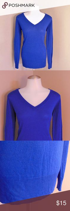 Medium APT.9 Sweater Medium, APT.9, Vibrant blue sweater - This has only been worn once! In excellent condition! This is a thinner sweater(yet very cozy!), very flattering, v neck - Perfect for the colder months that are ahead!  Offers welcomed! Apt. 9 Sweaters V-Necks