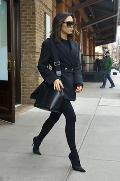 New Womens Business Fashion Victoria Beckham Ideas Spice Girls, Victoria Beckham Outfits, Victoria Beckham Style, Victoria Beckham Fashion, Trendy Fashion, Fashion News, Fashion Outfits, Womens Fashion, Trendy Style