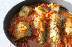 Mackerel in tomato sauce - Nigerian Food Haitian Food Recipes, Jamaican Recipes, Fish Recipes, Seafood Recipes, Cooking Recipes, Tinned Mackerel Recipe, Mackerel Recipes, Ghanaian Food, Gastronomia