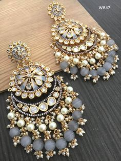 Indian Jewelry Earrings, Indian Jewelry Sets, Jewelry Design Earrings, Indian Wedding Jewelry, Ear Jewelry, Cute Jewelry, Bridal Jewelry, Silver Jewelry, Hoop Earrings