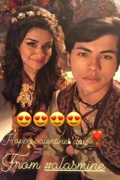Stylish Girls Photos, Girl Photos, Teen Actresses, Indian Actresses, Cute Wallpaper Backgrounds, Cute Wallpapers, Photo U, Teen Beauty, Prettiest Actresses