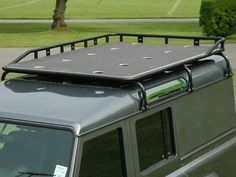 Roof rack sorted. Shorty for the 90, leaving the front for a sunroof. Removable front grill on roof rack.
