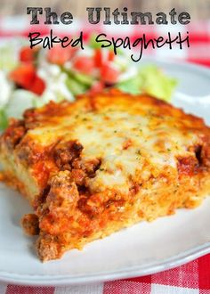 The Ultimate Baked Spaghetti Recipe The Ultimate Baked Spaghetti – cheesy spaghetti topped with Italian seasoned cream cheese, meat sauce… Casserole Spaghetti, Cheesy Spaghetti, Spaghetti Squash, Sausage Spaghetti, Spaghetti Sauce, Pizza Baked Spaghetti, Cowboy Spaghetti, Spaghetti Kitchen, Sausage Pasta
