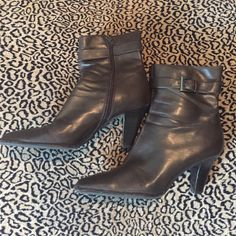 """Brown ankle boots These are brown ankle booties, size 9. They have a 3"""" heel and a cute accent buckle on top. AEROSOLES Shoes Ankle Boots & Booties"""