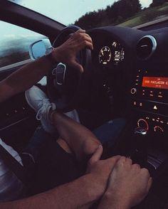 Couple Goals Relationships, Relationship Goals Pictures, Couple Relationship, Couple Photography, Photography Poses, Couple In Car, Photos Couple Mignon, Parejas Goals Tumblr, Couple Goals Cuddling