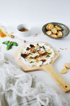 Goat a party to throw and looking for an amazing appetizer? This goat cheese and basil dip is delicious and takes only 5 minutes to make.