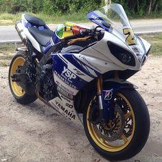 YAMAHA R1 YSP Via : @slemey27 Beast Crossplane #r1#crossplane#yamaha#ysp #motorcycle #motorcycles #bike #TagsForLikes #ride #rideout #bike #biker #bikergang #helmet #cycle #bikelife #streetbike #cc...
